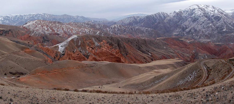 Треккинг в Киргизии на майские: каньоны Коморчека
