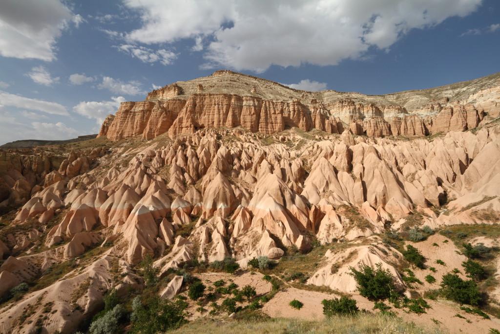 Cappadocia_Mount_Aktepe_2_Wikimedia_Commons