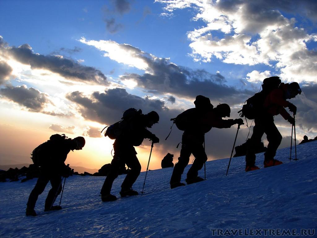 Elbrus climbing tour