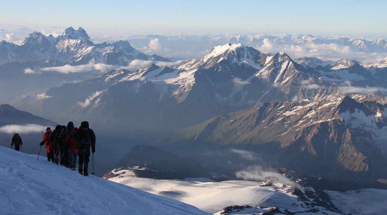 Восхождение на две вершины Эльбруса – отчёт