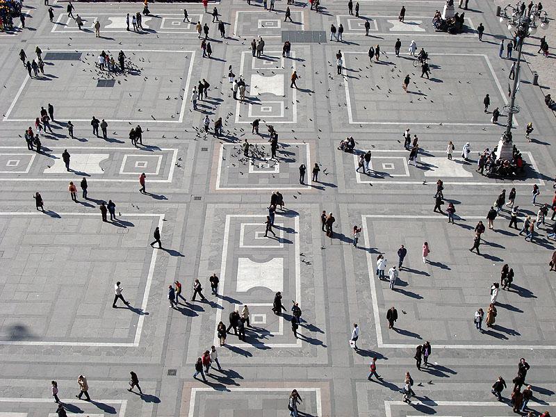 Милан, центральная площадь, вид с собора Дуомо
