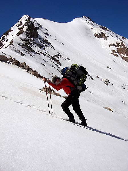 Подъем на перевал Хотю-тай на западе Эльбруса