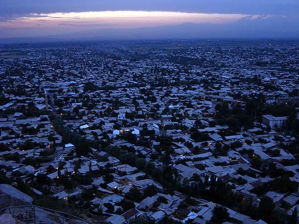 Город Ош, вид с горы Сулейманка