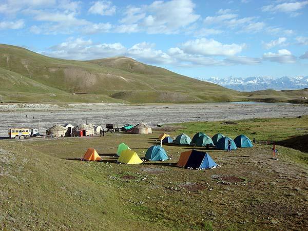 Базовый лагерь под Пиком Ленина