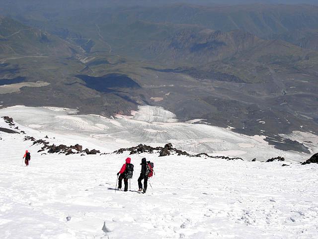 Спуск по леднику