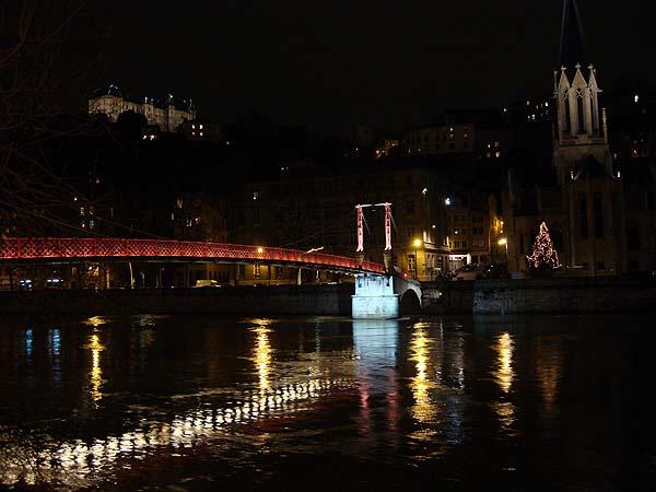 Река Рона, мост в центре Лиона