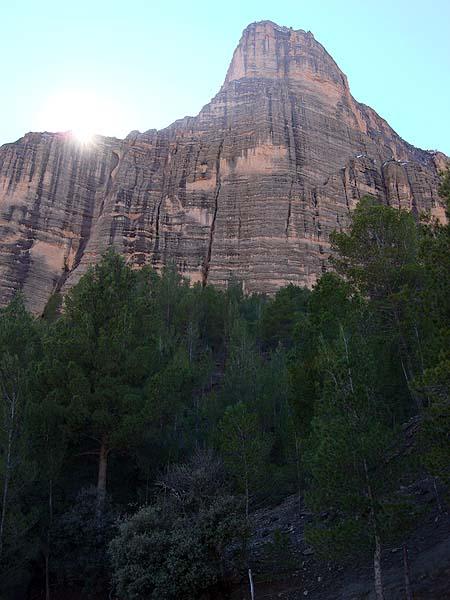 Экзит - гора, с которой будет произведен бэйс-прыжок