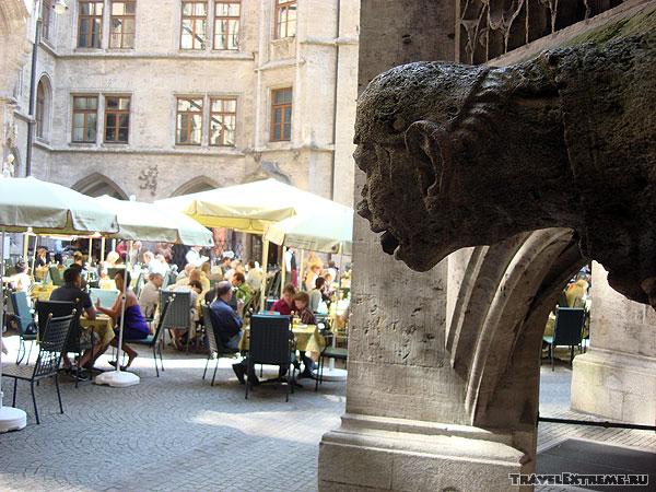 Мюнхен. Мариенплатц. Двор ратуши